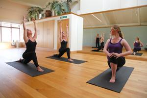 yoga-classes-for-teenagers